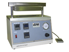 Compact laboratory heat sealers