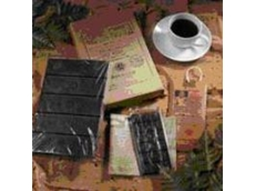 Askinosie Chocolate overwrapped with Innovia Films' biodegradable, sustainable transparent NatureFlex packaging material
