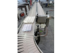 Slat chain conveyors are suitable for most types of hard packaging