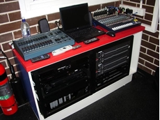 Soundcraft EFX 12 mixer with two dbx 3331 equalisers