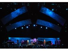 VARI-LITE lighting from Jands used at Fleetwood Mac concert