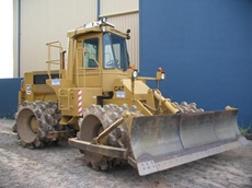 Excavators, dozers, graders and compactors vailable from Jonket Plant Hire
