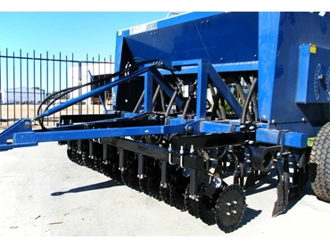 Decreases in soil throw, increase in point life and less downtime at seeding time