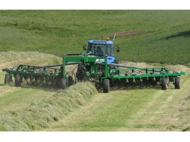 Hay Rakes- Delta V Rakes and Inline Rakes from K-Line