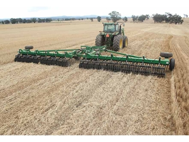 Trashcutter™ cuts the stubble and spreads it evenly over the surface with very little soil disturbance