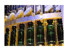 Volumetric filling of plastic bottles guarantees accurate fill volumes.