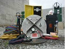Vacuum test kit for manholes and sewers