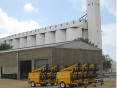 Light towers from kennards Hire help with SA harvest