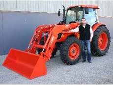 Lars Pasedag with the new M40 series Loader