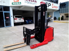 Lencrow's second generation pedestrian reach stacker