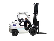 It is the registered forklift owner's responsibility to schedule regular maintenance