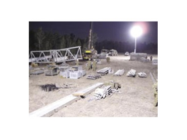 Glare free lighting towers for industrial applications