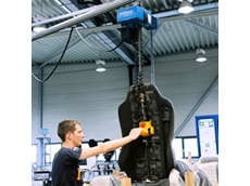 Manulift high speed hoist