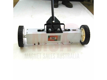 MSA Super Sweeper Magnet Broom