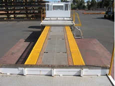 Freighter's 1.7m wide walkway improves safety when working on extendable semi-trailers