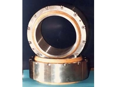 D-Glide spherical bearings are suitable for wet and dry applications and are maintenance free