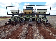 Queensland grower Peter Howlett is able to maximise profits by using the Orthman 1tRIPr