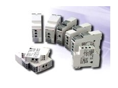 Multi-voltage rated electronic timers