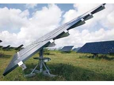 Rotating solar modules with lightweight and weather-resistant Universal worm gear units from NORD