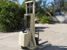 Walk behind and ride on crown forklifts
