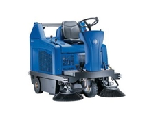 Nilfisk-Alto FLOORTEC R 680 ride-on sweepers with hydraulic high-dump for high-capacity sweeping