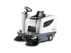 SR 1101 B ride on sweepers offer professional cleaning results