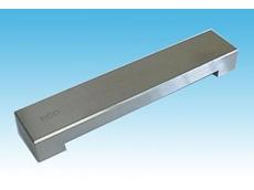 Fixed gap shearing applicator