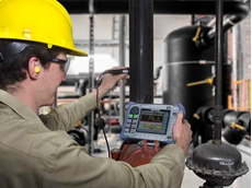 Checking for cracks with an EPOCH 650 Digital Ultrasonic Flaw Detector