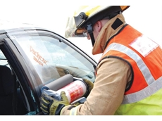 Packexe SMASH self adhesive film ensures the glass stays in place during the extrication