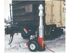 Portable jack for locomotive maintenance