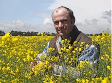 Rob Coutts with the Hyola 575CL he grew last season