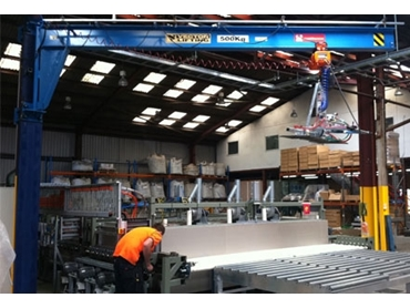 Meister Column Mounted Slewing Jib Cranes offer safety and efficiency with 360 degree slewing angle