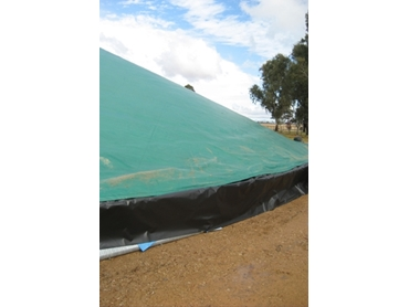 Effectively cover and protect grain