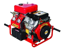 ​High-pressure, diesel powered pro fire pumps with V-twin 25HP electric start