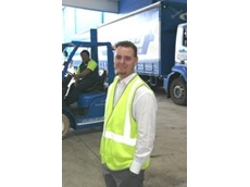 Powerlift Nissan's forklifts for Mainfreight