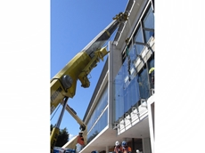 Preston's mobile crane helped install an external glazing façade to the ABC headquarters