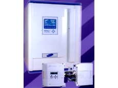 Single-beam, dual wavelength infrared gas analyser.