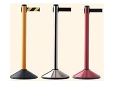 Belt crowd control stanchions