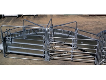 Safe T Force automatic cattle crushes