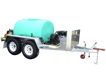 1500 Litre dual axle Cold Wash trailer unit with Diesel motors & stone defl