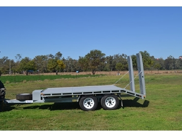 Beaver tail trailer up to 4.5 tonne GVM, for bobcat, excavator or backhoe usage