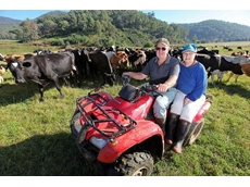 Victorian dairy farmers, Rhonda and Marcus Ellis have reduced the incidence of milk fever in their farm after feeding their cows Optimilk pre-calving diets
