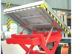 Safetech hydraulic lift table with tilting platform