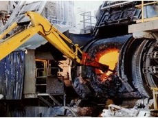Two Rammer E64 hammers play an important role of clearing solid copper from the furnace.
