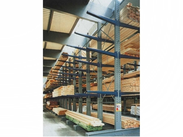 Double sided cantilever racking for storage of long lengths of timber
