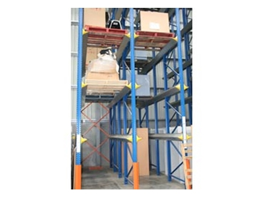 Drive through pallet racking system
