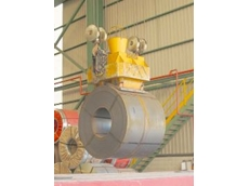 Lifts coils of up to 32 tonnes.