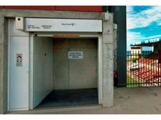 Southwell's customised hoist at Wollongong Stadium