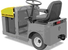 Narrow aisle electric tow tractor