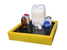 Benchtop spill trays for laboratory applications